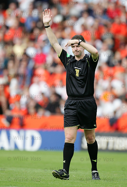 Hugh Dallas, referee.stock season 2004-2005.pic willie vass