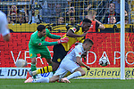 06.10.2018, Signal Iduna Park, Dortmund, GER, DFL, BL, Borussia Dortmund vs FC Augsburg, DFL regulations prohibit any use of photographs as image sequences and/or quasi-video<br /> <br /> im Bild Strafraumszene . Torchance von Alfreo Finnbogason (#27, FC Augsburg) re.Dan-Axel Zagadou (#2, Borussia Dortmund)  mi. Roman B&uuml;rki / Buerki (#1, Borussia Dortmund) li.<br /> <br /> Foto &copy; nph/Horst Mauelshagen