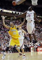 2 December 2006: Ohio State's Greg Oden, right, blocks the shot of Valparaiso's Shawn Huff at Value City Arena in Columbus, Ohio. Oden was the nation's top high school player for the past two years and made his college debut tonight after sitting out with a wrist injury.<br />