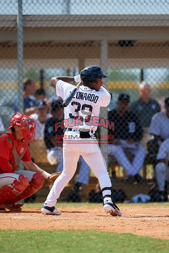 Detroit Tigers Iverson Leonardo (39) at bat during an Instructional League game against the Philadelphia Phillies on September 19, 2019 at Tigertown in Lakeland, Florida.  (Mike Janes/Four Seam Images)