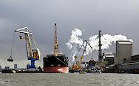Nederland Amsterdam  2017.    De haven van Amsterdam.  Amsterdam Fertilizers BV, ofwel Amfert, is onderdeel van ICL Fertilizers, één van de grootste kunstmestproducenten van de wereld. Foto Berlinda van Dam / Hollandse Hoogte