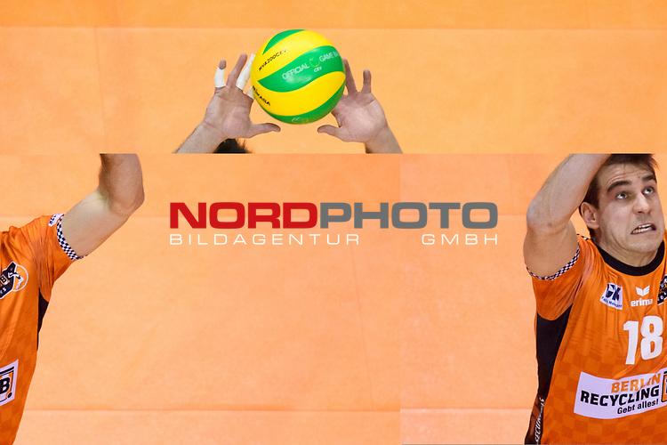 28.02.2018, Max Schmeling Halle, Berlin<br />Volleyball, 2018 CEV Volleyball Champions League, Vorrunde, Berlin Recycling Volleys (GER) vs. Jastrzebski Wegiel (POL)<br /><br />Zuspiel Pierre Pujol (#18 Berlin)<br /><br />  Foto © nordphoto / Kurth