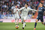 Isco of Real Madrid fights for the ball with Juan Pablo Anor Acosta, Juanpi, of Malaga CF during their La Liga 2016-17 match between Real Madrid and Malaga CF at the Estadio Santiago Bernabéu on 21 January 2017 in Madrid, Spain. Photo by Diego Gonzalez Souto / Power Sport Images