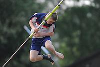 FIERLJEPPEN: IT HEIDENSKIP: 28-05-2016, Freark Kramer wint bij de jounioren met 18.96 meter, ©foto Martin de Jong