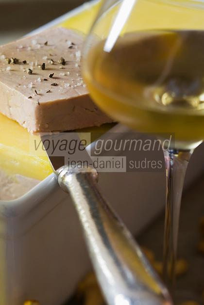 """Europe/France/Ile de France/75008/Paris: Restaurant """"Laurent"""" - Accord mets vins- le foie gras et vin moelleux"""