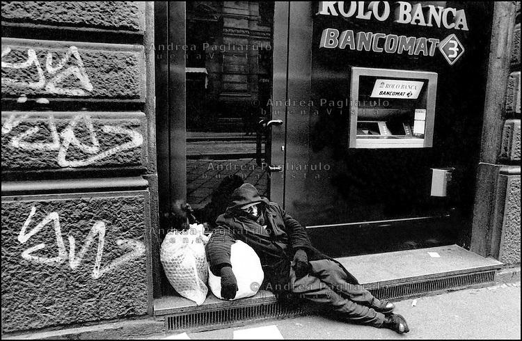Milano, senzatetto.<br /> Milan, homeless.