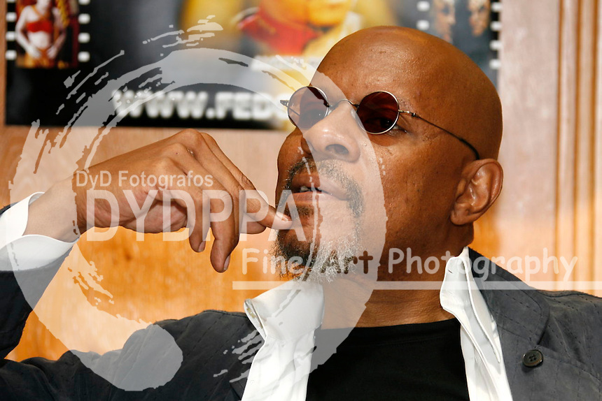 Actor Avery Brooks, who played Captain Sisko in 'Star Trek: Deep Space Nine', at FedCon XVI at Maritim Hotel, Bonn. FedCon is Europe's biggest Science Fiction Convention