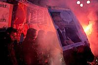 Milano: proteste dei centri sociali durante la prima della Scala