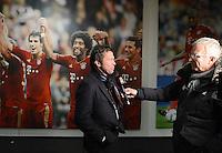FUSSBALL   1. BUNDESLIGA  SAISON 2012/2013   27. Spieltag   FC Bayern Muenchen 9-2 Hamburger SV    30.03.2013 TV Experte Lothar Matthaeus wird von Sky-Sport TV-Reporter Uli Koehler (re) in der Allianz Arena interviewt