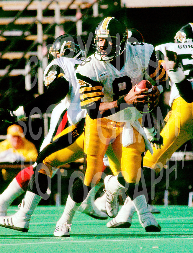 Tom Porris HamiltonTiger Cats quarterback. Copyright photograph Scott Grant