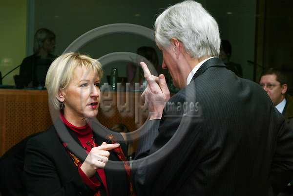 BRUSSELS - BELGIUM - 21 FEBRUARY 2005 --European Foreign Ministers meet on General Affairs and External Relations-- Margot WALLSTRïM (Wallstrom, Wallstroem) (L) Vice-President of the European Commission and in charge of Institutional Relations and Communication Strategy with Michel BARNIER (R), Minister for Foreign Affairs of France. --  PHOTO: ERIK LUNTANG / EUP-IMAGES