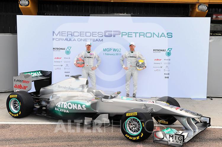 01.02.2011, Street Circuit. Jerez, ESP, Formel 1 Test 1 Valencia 2011,  im Bild  Mercedes W02 Launch 2011 - Michael Schumacher (GER), Mercedes GP - Nico Rosberg (GER), Mercedes GP  Foto: nph / Dieter Mathis< gemischt >