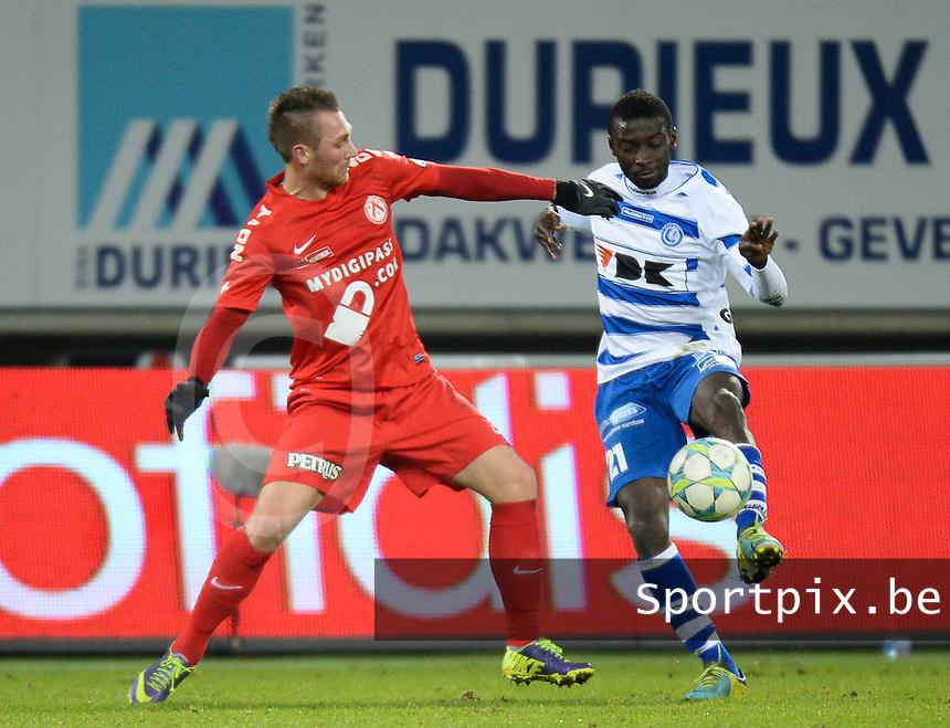 AA Gent - KV Kortrijk : duel tussen Nana Asare (rechts) en Teddy Chevalier (links)<br /> foto VDB / Bart Vandenbroucke