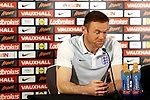 041016 England Presser & Training