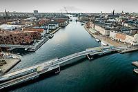 026 190110 Dronebilleder af Den lille  Havfrue, Kastellet, Amager Bakke, Papir&oslash;en, Skuespilhuset, Amalienborg og Inderhavnsbroen.<br /> Foto: Jens Panduro
