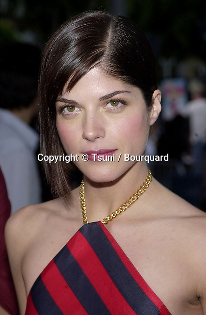 Selma Blair arriving at the premiere of Legally Blonde  at the Westwood Village Theatre in Los Angeles. June 26, 2001 BlairSelma19.jpg