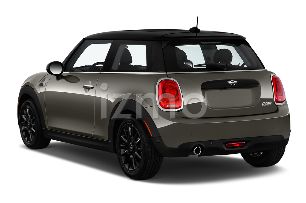 Car pictures of rear three quarter view of a 2019 Mini Cooper Hardtop 2 Door 3 Door Hatchback angular rear