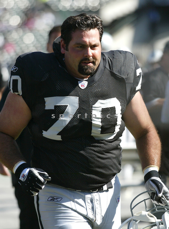 Brad Badger, of the  Oakland Raiders, in action during their game against the Buffalo BiIlls  on October 23, 2005.  .Rob Holt / SportPics..Raiders win 38-17