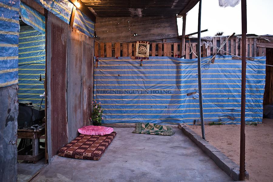 GAZA, Erez: Hassan's home. <br /> <br /> GAZA, Erez: La maison d'Hassan.