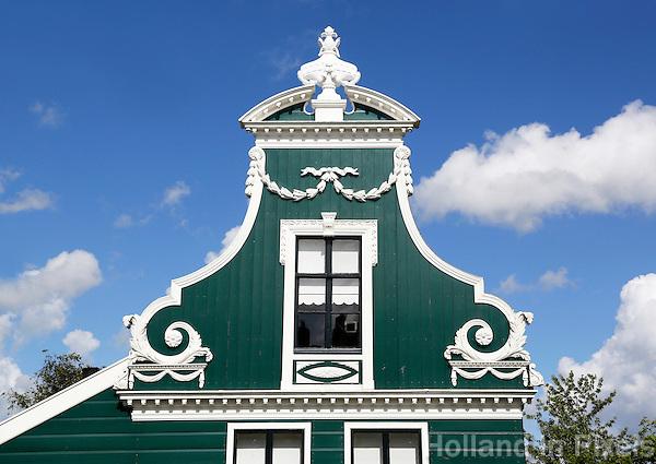 Nederland Westzaan. 2016. Houten huizen in Westzaan. Detail van de gevel. Foto Berlinda van Dam / Hollandse Hoogte
