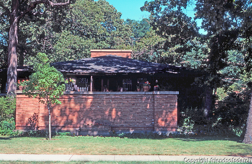 F.L. Wright: Cheney House, Oak Park. 1904  Photo '76.