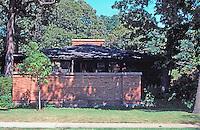 F.L. Wright: Cheney House, Oak Park. 1904  Photo '76.