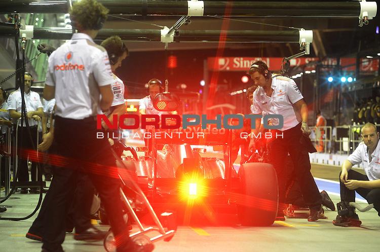 19.-22.09.2013, Marina-Bay-Street-Circuit, Singapur, SIN, F1, Grosser Preis von Singapur, Singapur, Sergio Perez (MEX)  McLaren F1 Team  <br />  Foto &copy; nph / Mathis