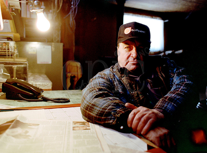 Frank Thederahn of Bruderheim, Alberta on his farm on January 27, 2000.. John Ulan/Epic Photography Inc.