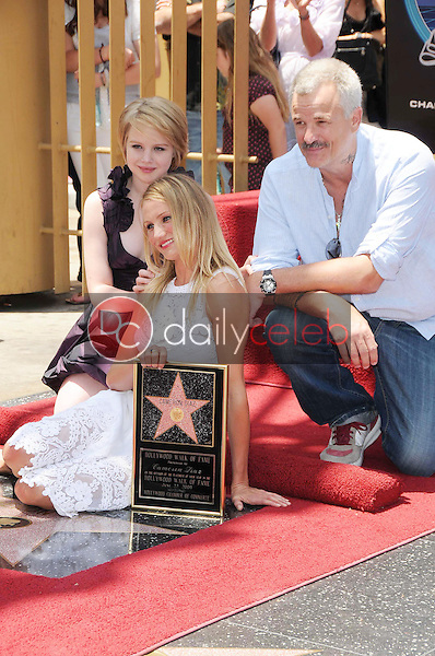 Sofia Vassilieva with Cameron Diaz and Nick Cassavetes<br />at the Ceremony honoring Cameron Diaz with a Star on the Hollywood Walk of Fame. Hollywood Boulevard, Hollywood, CA. 06-22-09<br />Dave Edwards/DailyCeleb.com 818-249-4998