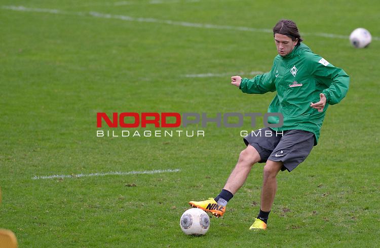 07.01.2014, Trainingsgelaende, Bremen, GER, 1.FBL, Training Werder Bremen, im Bild Julian von Haacke (Bremen #38)<br /> <br /> Foto &copy; nordphoto / Frisch