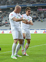 Fussball 2. Bundesliga:  Saison   2012/2013,    10. Spieltag  TSV 1860 Muenchen - FC Erzgebirge Aue  22.10.2012 Jubel nach dem Tor zum 0:1 Tobias Nickenig und Jakub Sylvestr (v. li., FC Erzgebirge Aue)