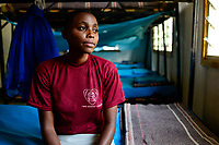TANZANIA, Region Mara, Musoma, shelter Jipe Moyo to protect young girls from Femal Gender Mutilation / Projekte der Dioezese Musoma, JIPE MOYO, Zufluchtsort fuer Maedchen denen Genitalverstuemmelung droht, Bernadetta Julius, 16 Jahre