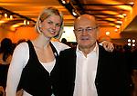 Die deutsche Schwimmerin Britta Steffen beendet ihre Karriere - Archiv aus  08.12.2007<br />  <br /> Champions 2007<br /> Britta Steffen mit Trainer Warnatzsch<br />  <br /> <br />   <br /> Foto &copy; nph /  Schulz