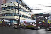 The Divine World hospital where a community of benidictine sisters are working as nurses is one of the main hospital where the injured people from the Typhoon Haiyan were brought as it faced less damages than other hospitals. <br /> <br /> The Divine World Hospital o&ugrave; une communaut&eacute; de s&oelig;urs de benidictines travaillent comme infirmi&egrave;res est l'un des principal h&ocirc;pital o&ugrave; les bless&eacute;s du Typhoon Haiyan ont &eacute;t&eacute; amen&eacute;s.