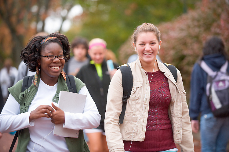 19101Campus Fall..Jamilah McDowell and Krista Leakas (right)