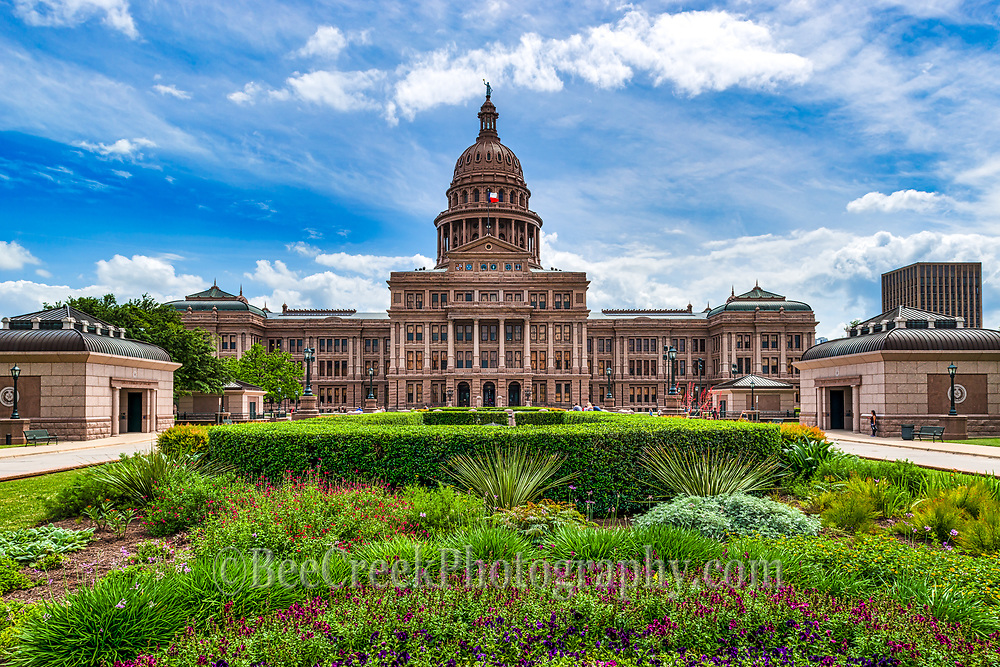Another capture of the Texas State Capitol in downtown Austin.