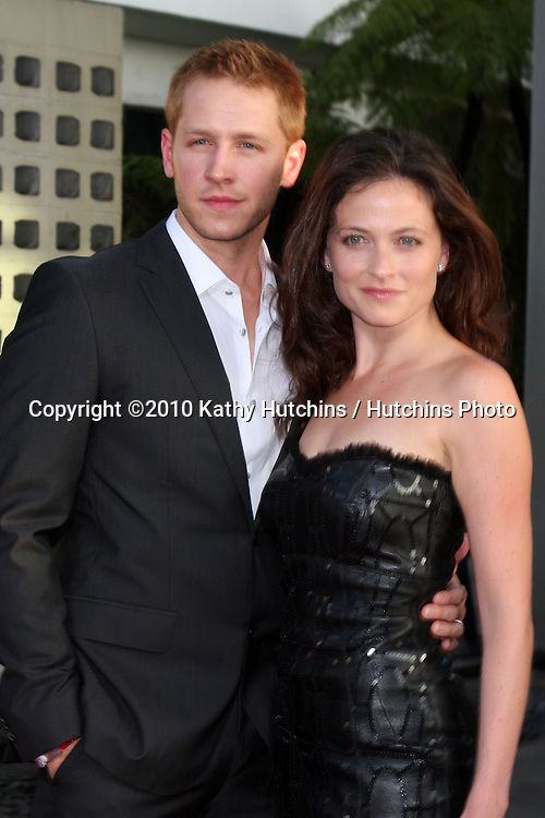 Joshua Dallas, Lara Pulver.arrives at the True Blood Season Premiere 2010.ArcLight Cineramadome.Los Angeles, CA.June 8, 2010.©2010 Kathy Hutchins / Hutchins Photo..
