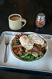 USA, Oregon, Willamette Valley, eggs, bacon and grilled vegetables served at the Red Hills Market in Dundee, the Great Start Breakfast Bowl