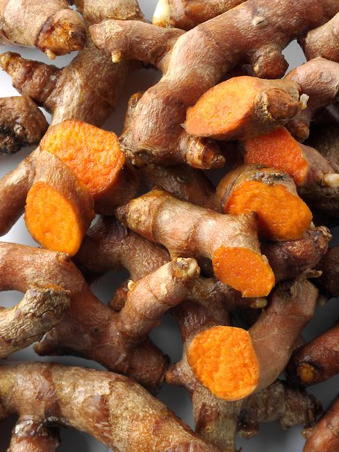 Fresh turmeric  or tumeric root (Curcuma longa)