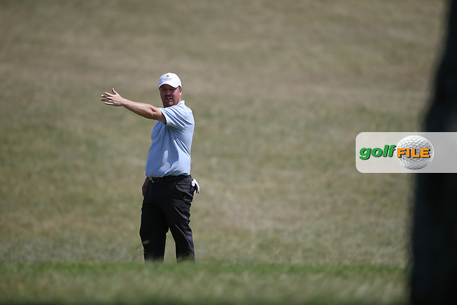 That way ? Ross McGowan (ENG) guesses the direction of the wind during Round One of the Africa Open 2015 at the East London Golf Club, East London, Eastern Cape, South Africa. Picture:  David Lloyd / www.golffile.ie. 05/03/2015
