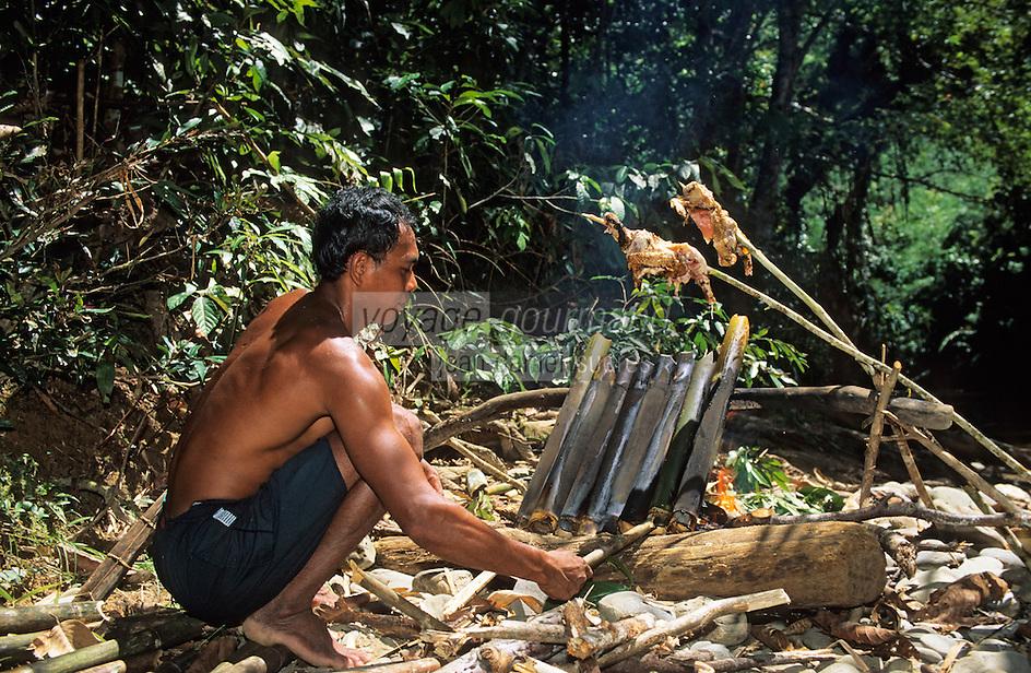 Asie/Malaisie/Bornéo/Sarawak: Chez les Dayak: La cuisine de la jungle - Cuisson