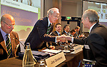 SOESTDUINEN - NGF President Mr. R (Ronald) Pfeiffer begroet de leden.  ALV (Algemene Ledenvergadering voorjaar) van de NGF. COPYRIGHT KOEN SUYK