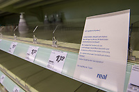 Aufgrund des Corona-Virus wurden in Supermaerkten die Vorraete an Nudeln, Reis, Klopapier und Brotartikeln leergekauft.<br /> Im Bild: Ein leergekauftes Seifenregal in einem Berliner Supermarkt.<br /> 14.3.2020, Berlin<br /> Copyright: Christian-Ditsch.de<br /> [NUR FUER REDAKTIONELLE ZWECKE! Werbung nur auf Anfrage beim Fotografen. Inhaltsveraendernde Manipulation des Fotos nur nach ausdruecklicher Genehmigung des Fotografen. Vereinbarungen ueber Abtretung von Persoenlichkeitsrechten/Model Release der abgebildeten Person/Personen liegen nicht vor. NO MODEL RELEASE! Don't publish without copyright Christian-Ditsch.de, Veroeffentlichung nur mit Fotografennennung, sowie gegen Honorar, MwSt. und Beleg. Konto: I N G - D i B a, IBAN DE58500105175400192269, BIC INGDDEFFXXX, Kontakt: post@christian-ditsch.de<br /> Bei der Bearbeitung der Dateiinformationen darf die Urheberkennzeichnung in den EXIF- und  IPTC-Daten nicht entfernt werden, diese sind in digitalen Medien nach §95c UrhG rechtlich geschuetzt. Der Urhebervermerk wird gemaess §13 UrhG verlangt.]