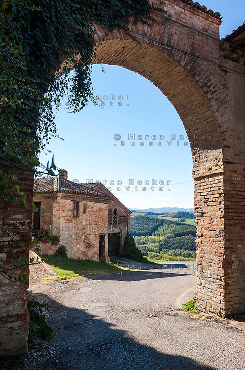 Oliva Gessi, paese in provincia di Pavia --- Oliva Gessi, small village in the province of Pavia