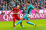 03.11.2018, Allianz Arena, Muenchen, GER, 1.FBL,  FC Bayern Muenchen vs. SC Freiburg, DFL regulations prohibit any use of photographs as image sequences and/or quasi-video, im Bild Arjen Robben (FCB #10) im kampf mit Christian Guenter (Freiburg #30) <br /> <br />  Foto &copy; nordphoto / Straubmeier