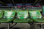12.03.2018, Weserstadion, Bremen, GER, 1.FBL, SV Werder Bremen vs 1. FC Koeln<br /> <br /> im Bild<br /> Klatschpappe f&uuml;r / fuer die Fans vor dem Spiel mit Schriftzug <br /> &quot;Heute klatscht es Beifall!&quot;, <br /> &quot;Volle Unterst&uuml;tzung f&uuml;r unser Team!&quot;, <br /> &quot;Lasst das Weser-Stadion beben!&quot;<br /> aufgrund des Fan-Boykotts gegen Montagsspiele, <br /> <br /> Foto &copy; nordphoto / Ewert