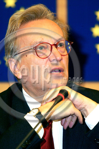 STRASBOURG - FRANCE - 22 APRIL 2004--MEP  Johannes (Hannes) SWOBODA, Group of the Party of European Socialists, Vice-Chairman European Parliament-- PHOTO: ERIK LUNTANG / EUP-IMAGES