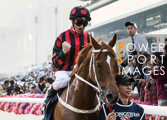 Jockey Zac Purton riding Time Warp wins the Longines Hong Kong Cup (G1, 2000m) during the Longines Hong Kong International Races at Sha Tin Racecourse on December 10 2017, in Hong Kong, Hong Kong. Photo by Victor Fraile / Power Sport Images