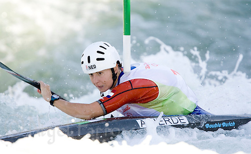 15 AUG 2008 - BEIJING, CHN - Ariane Herde (NED) - Womens K1 slalom -  Beijing Olympics. (PHOTO (C) NIGEL FARROW) *** IOC RULES APPLY ON USAGE ***