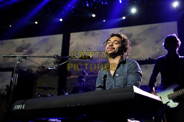 LONDON, ENGLAND - SEPTEMBER 21:  Ben Earle of 'The Shires' performing at Apple Music Festival, Camden Roundhouse on September 21, 2015 in London, England.<br /> CAP/MAR<br /> &copy; Martin Harris/Capital Pictures